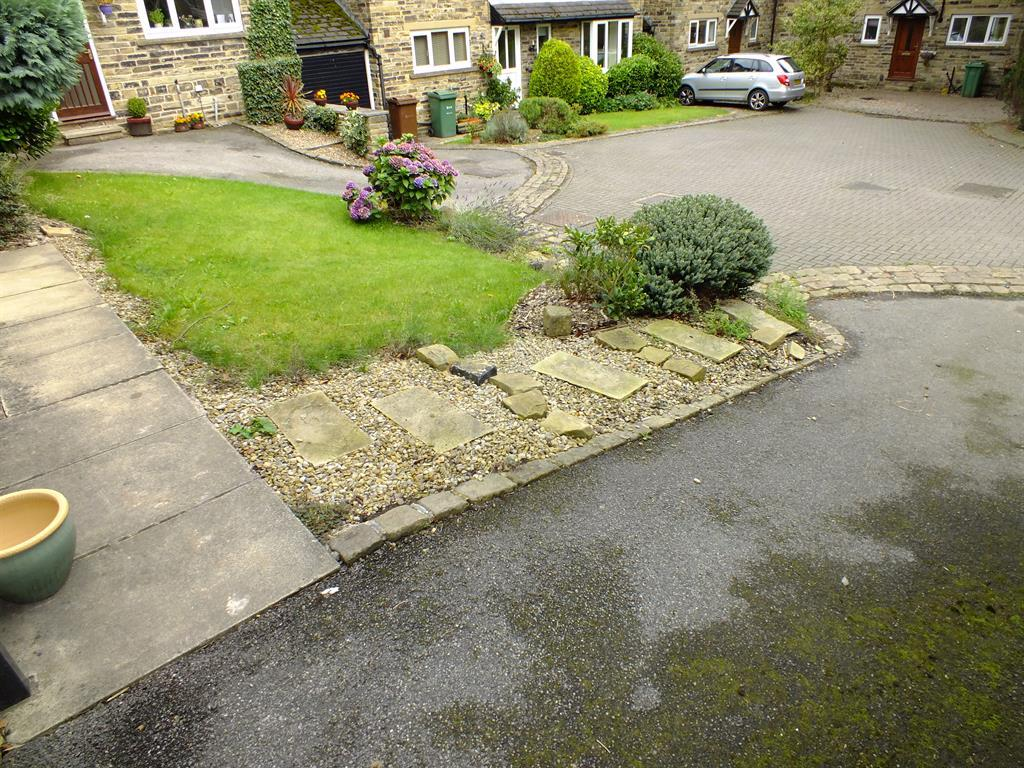 Front Garden1