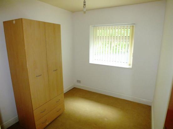 1st Floor Bed2
