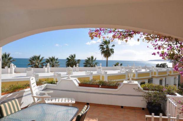 Lounge/terrace views