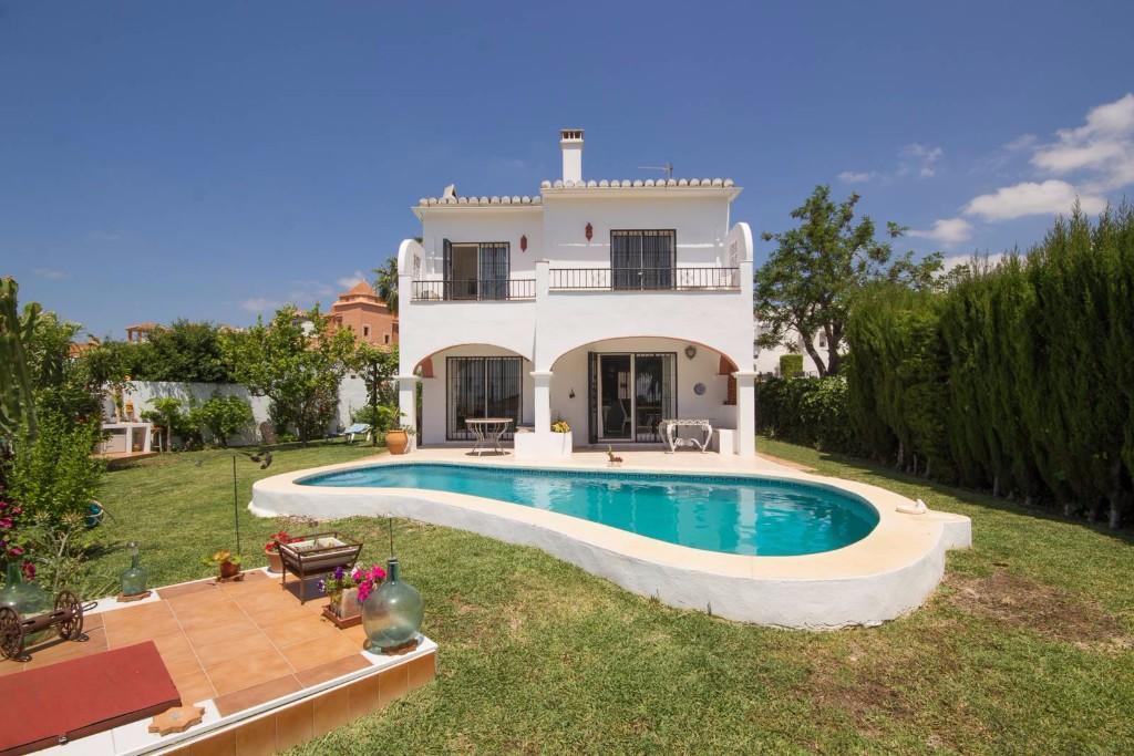 3 bed Detached Villa for sale in Marbella, Málaga...