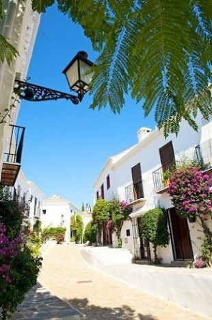 Andalusia End of Terrace property for sale