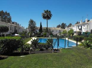 5 bed Town House for sale in Andalusia, M�laga...