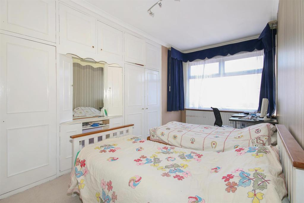 6. Bedroom.jpg