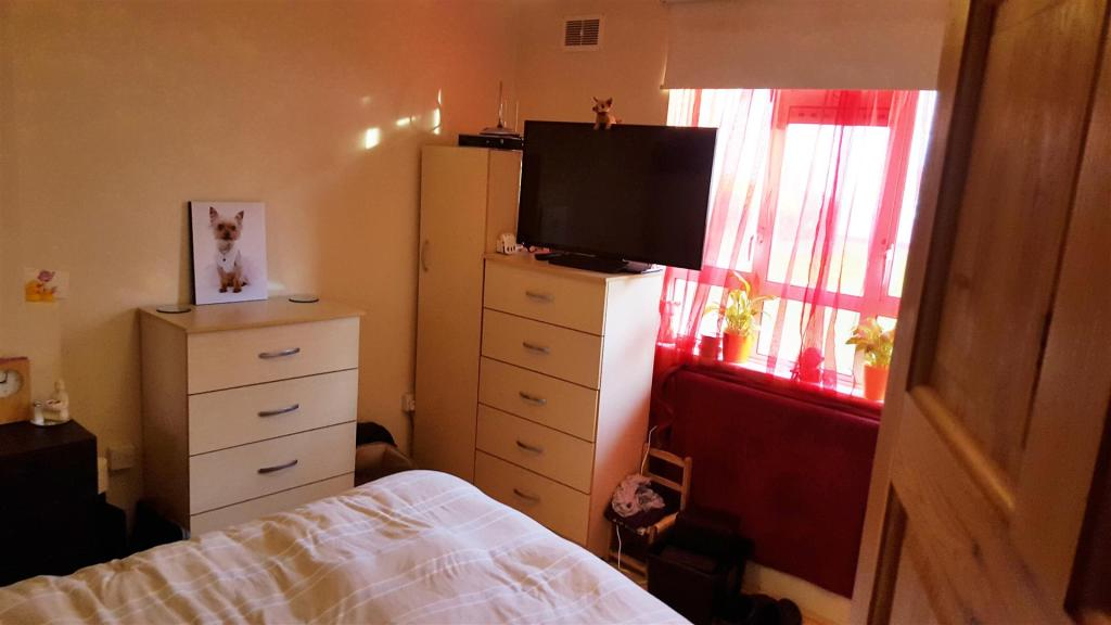 bedroom (2) (002).jp