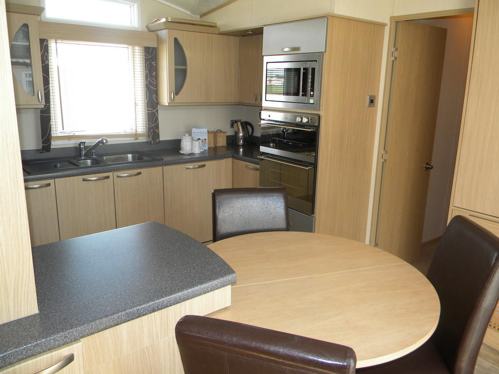 2 bedroom mobile home for sale in bay view littlesea holiday park dt4. Black Bedroom Furniture Sets. Home Design Ideas
