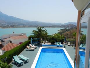 4 bedroom Villa for sale in Vinuela, Málaga...
