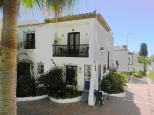 2 bedroom End of Terrace property in Andalusia, M�laga, Nerja