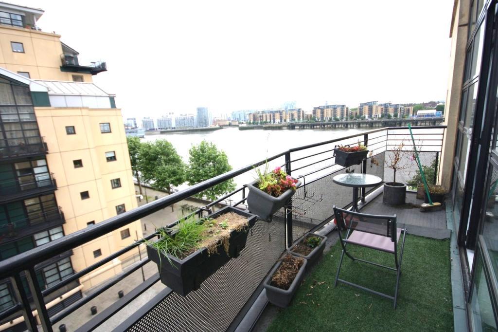 1 Bedroom Apartment To Rent In Burrells Wharf Square Canary Wharf London E14 E14