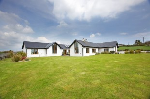 6 bedroom Detached house for sale in Waterford, Ardmore