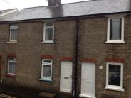 Terraced property to rent in Victoria Road