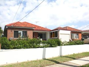 3 bedroom house in 32 Noble Avenue...