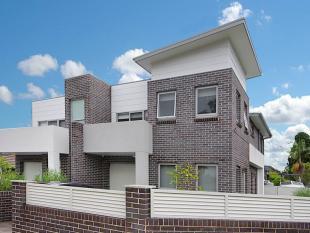 1A Larien Crescent Duplex for sale