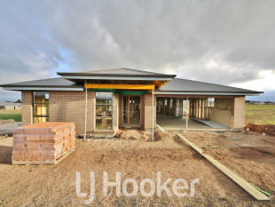 4 bed home for sale in 20 Fraser Drive...