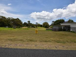 property for sale in 15 Laurel Street, RUSSELL ISLAND 4184