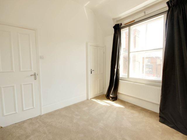 Second bedroom 2