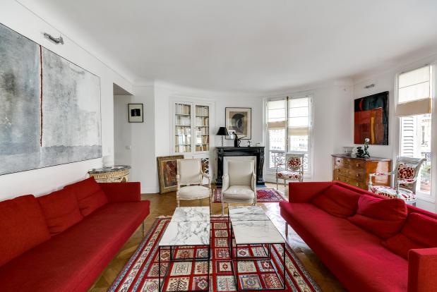 Large living room parquet floor blacony doors fireplace Rue Jean Mermoz Paris
