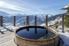 Outdoor hot tub mountain view Chalet Feuille d'Erable Verbier