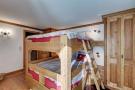 Bedroom bunk beds wood Chalet Feuille d'Erable Verbier