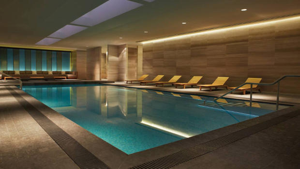 Four Seasons Toronto spa pool