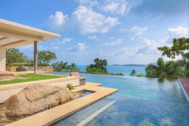 Infinity edge swimming pool ocean view sea Villa Vista Samujana Thailand
