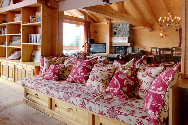Day bed living room wood floor Gai Torrent Penthouse Verbier