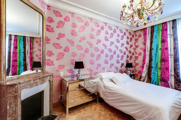 Bedroom glass chandelier modern parquet floor marble fireplace Etoile Marceau Paris