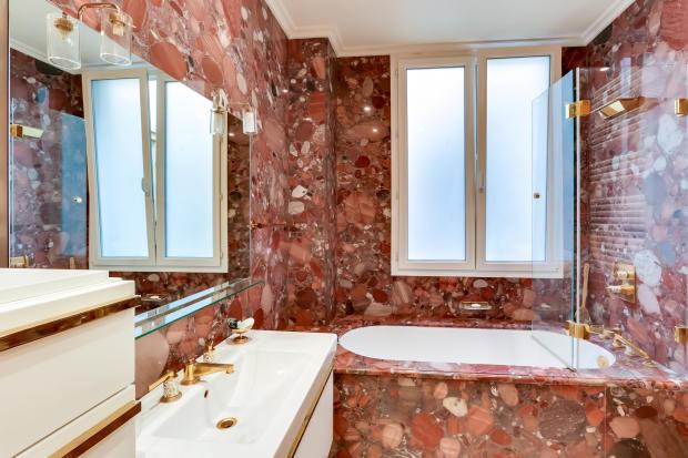 Bathroom red marble gold tap Etoile Marceau Paris