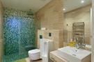 Bathroom tiled shower Villa Paula Zona Alta Barcelona