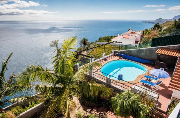 View ocean sea swimming pool Villa Aquarela Madeira Portugal