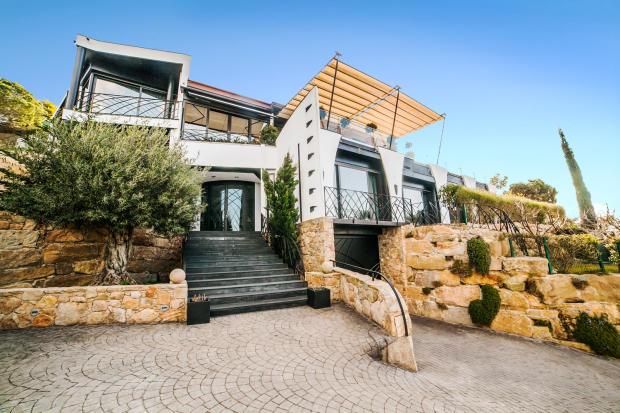 Entrance driveway stone garage Villa Olivia Lloret de Mar Girona