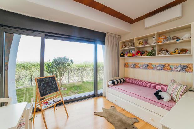 Childrens kids room sliding doors patio wood floor Villa Olivia Lloret de Mar Girona