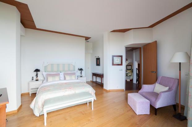 Bedroom ensuite bathroom wood floor Villa Olivia Lloret de Mar Girona