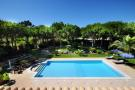 Swimming pool garden Villa Marisa Quinta do Lago Portugal