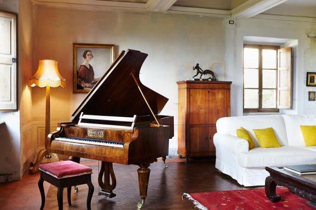 Living parquet room floor wood Villa La Quercia Lucca Tuscany