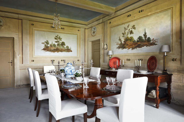 Dining room large Villa La Quercia Lucca Tuscany