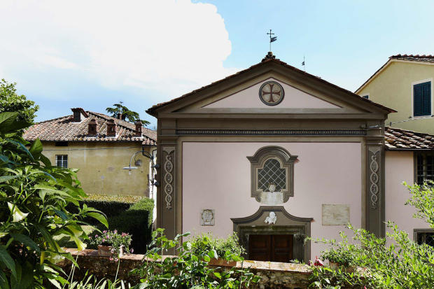 Entrance facade Villa La Quercia Lucca Tuscany
