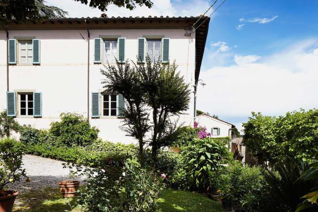 Facade Villa La Quercia Lucca Tuscany