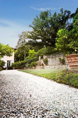 Driveway Villa La Quercia Lucca Tuscany
