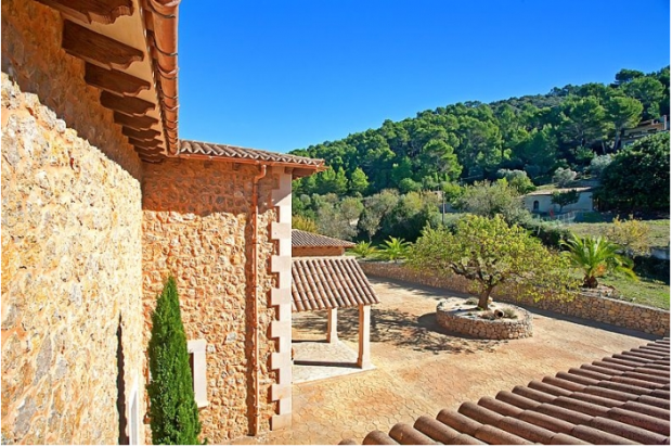 Entrance driveway Finca Son Romani Mallorca