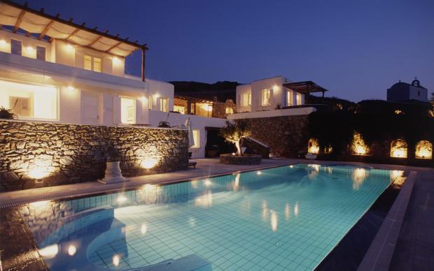 Swimming pool rear facade Ftelia Mykonos