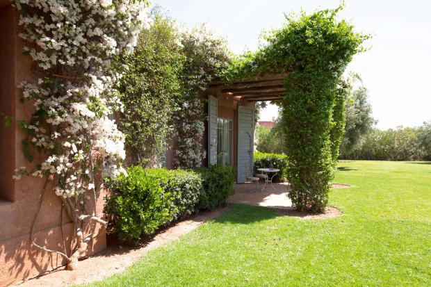 Exterior of road and garden at Villa Jardin