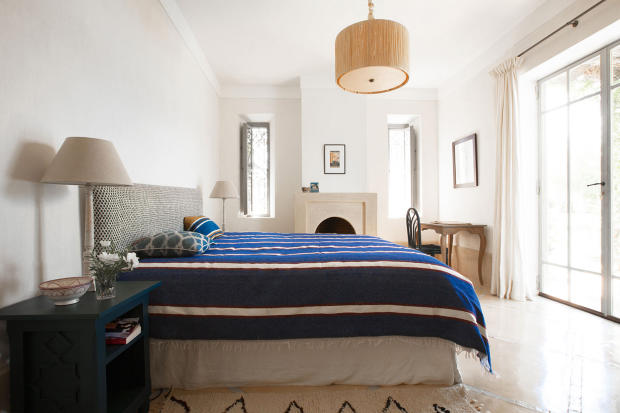 Double bedroom with access to terrace at Villa Jardin