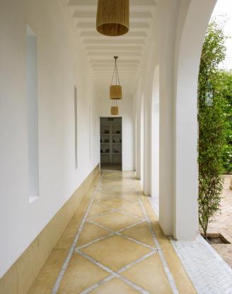 Courtyard passage at Villa Jardin