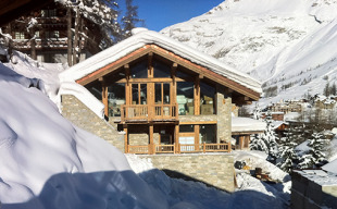 Chalet for sale in Le Petit Alaska...