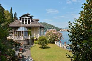 4 bed Detached Villa for sale in Villa on Lake Como
