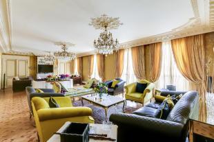 4 bedroom Apartment for sale in 8th arrondissement...