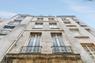 Apartment for sale in 4th arrondissement...