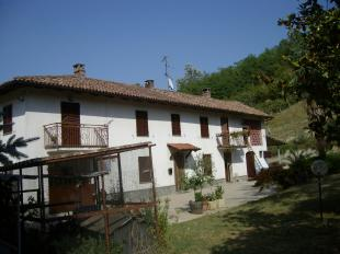 Farm House for sale in Piedmont, Asti...