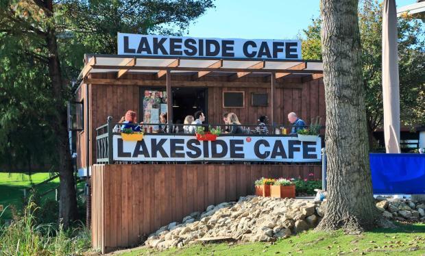Radius Lakeside Cafe