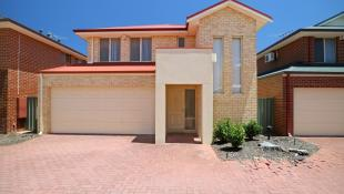 Town House for sale in 4/53 Hardey Road...